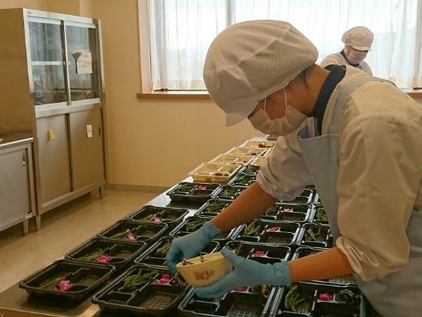 弁当の製造販売